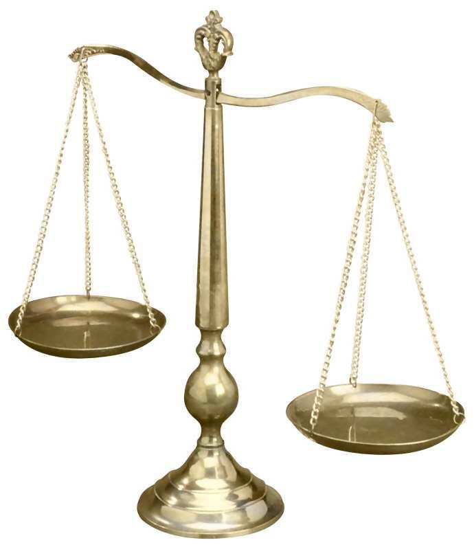 Balanza símbolo de la justicia. Abogados penalistas